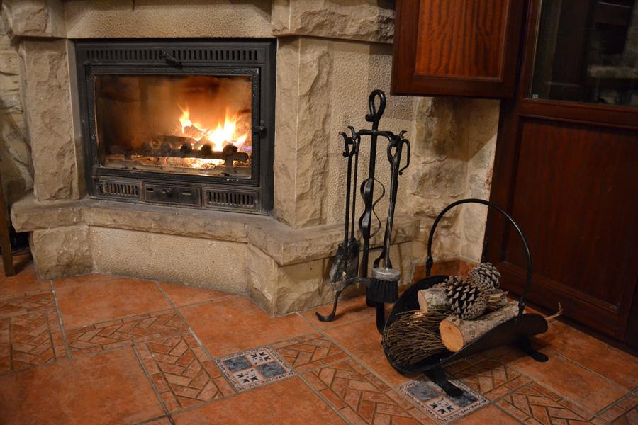 Los calderones de piedrasecha gallery - Utensilios para chimeneas ...